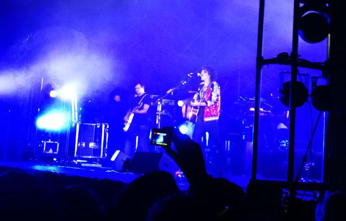 ERMAL META: Un concerto al mare a cuor leggero