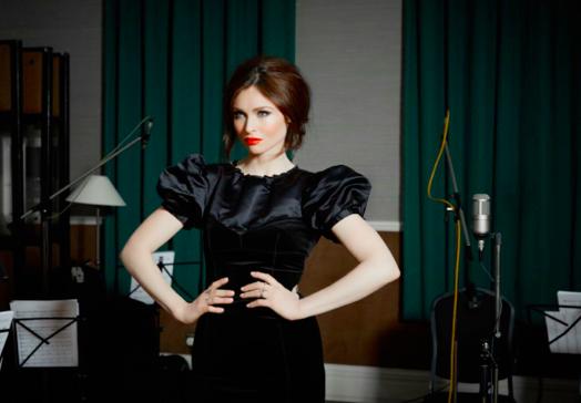 SOPHIE ELLIS-BEXTOR esce la versione orchestrale di 'TAKE ME HOME'