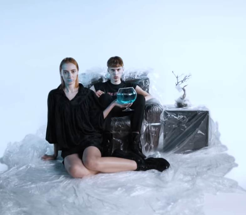 Video: YOUNG SIGNORINO – Bevanda