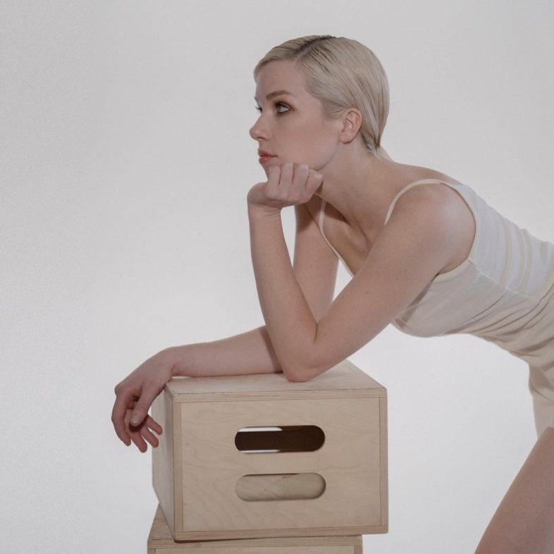 """CARLY RAE JEPSEN – Ascolta il nuovo singolo """"Julien"""""""