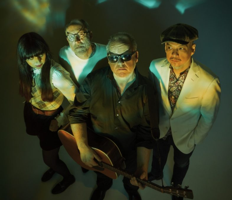Video : PIXIES – On Graveyard Hill