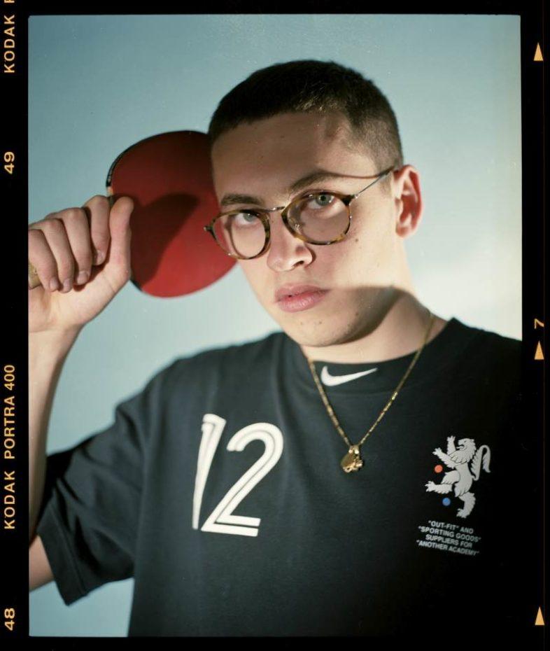 """TREDICI PIETRO """"Assurdo"""" è il debutto per il figlio rapper di Morandi"""