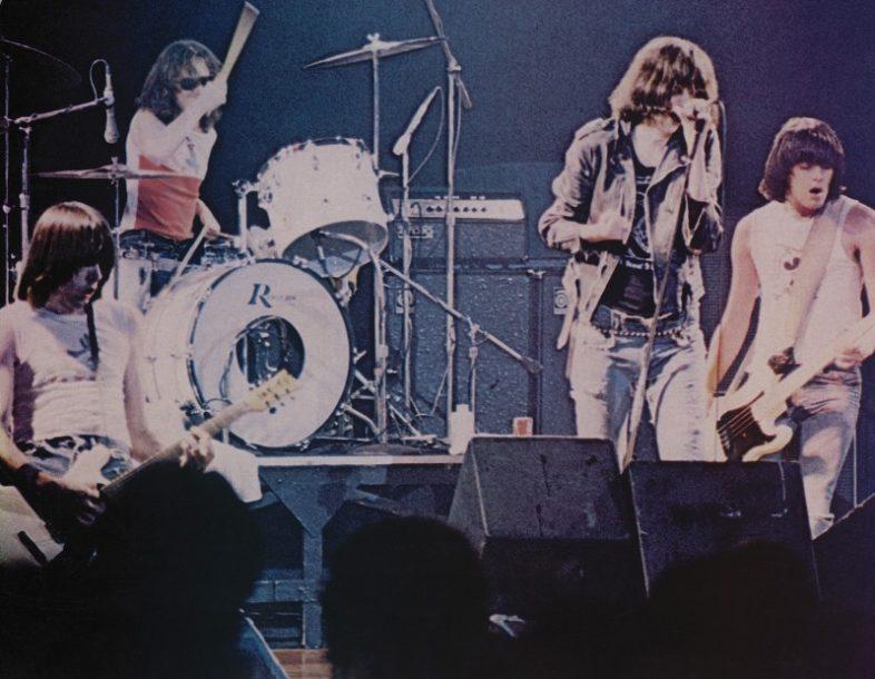 RAMONES rimasterizzato dopo 40anni il primo live album