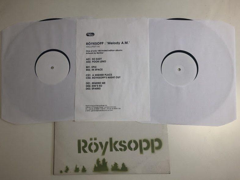 Il disco dei Röyksopp – Melody A.M. disegnato da Banksy è stato venduto a $ 8178