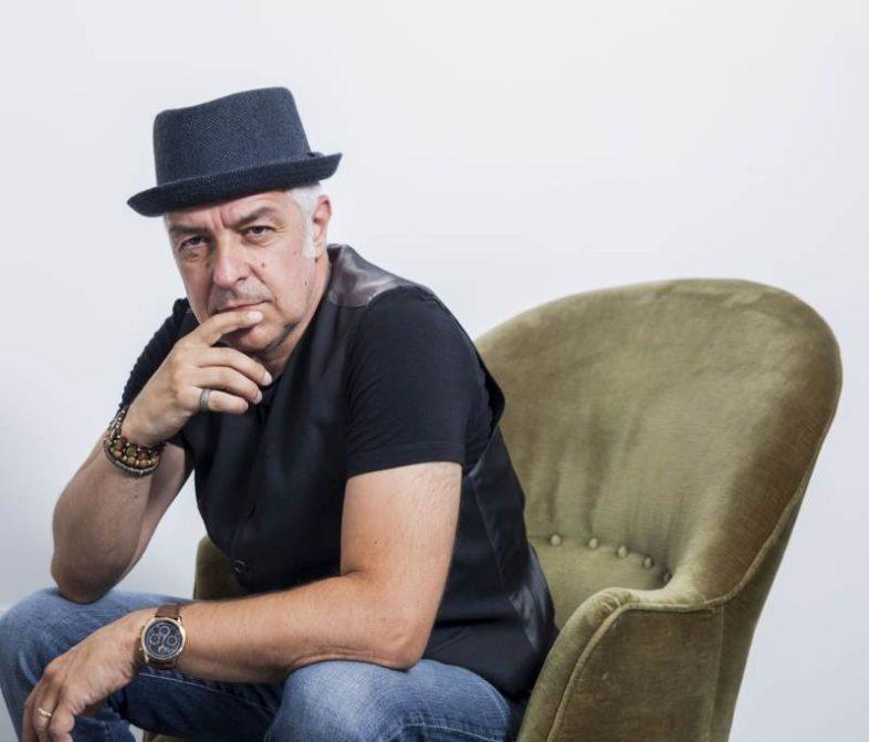 """DAVIDE VAN DE SFROOS: """"Quanti Nocc"""" è un album di foto e di istantanee live!"""