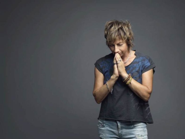 "GIANNA NANNINI reinterpreta ""La donna cannone"" per ""I love my radio"""