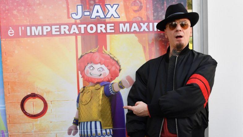 J-AX voce e canzone in PLAYMOBIL: THE MOVIE