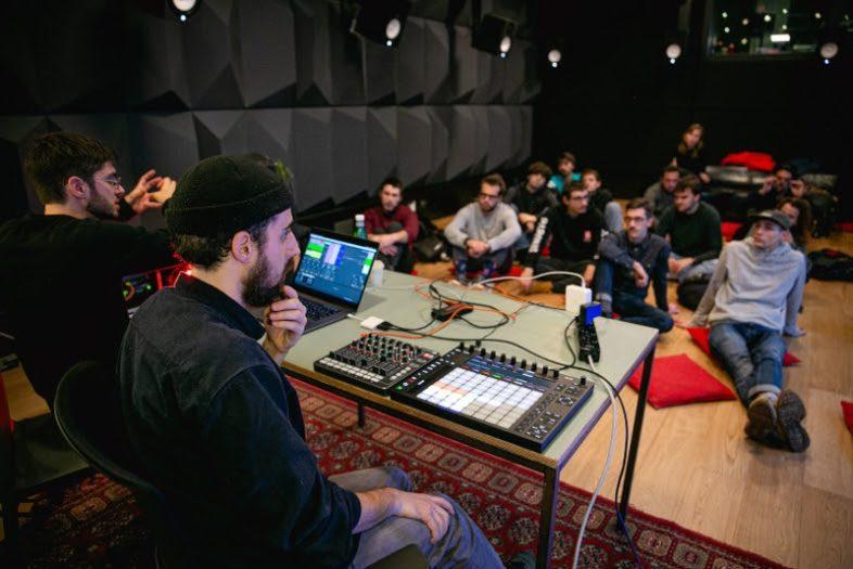 YOUNG MUSIC GENERATION: al via la call per la propria start up nel mondo della musica