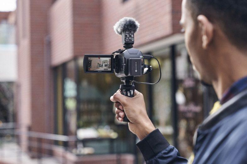 Hi-Tech: Sony per i vlogger con la nuova ZV-1 e la Handycam® FDR-AX43