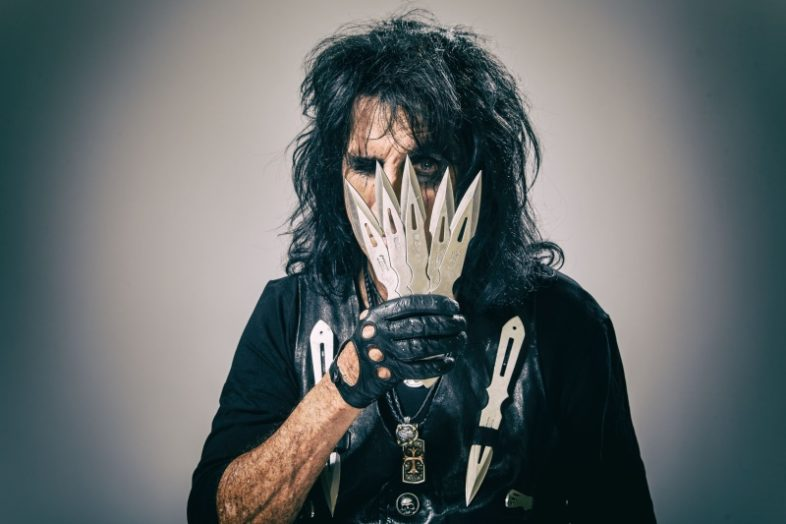 "Video: ALICE COOPER – ""Don't Give Up"