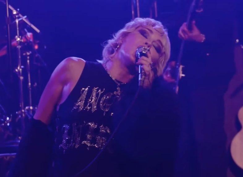 Miley Cyrus, Metallica, album di cover, dichiarazioni, intervista