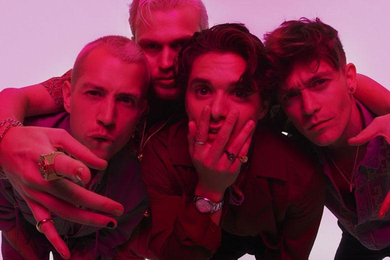 I THE VAMPS debuttano alla numero uno della chart album UK