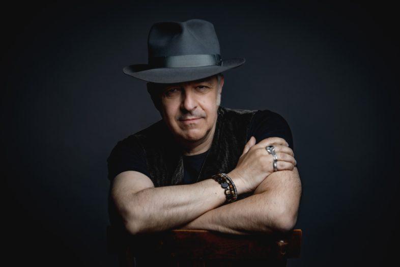 "DAVIDE VAN DE SFROOS un nuovo singolo ""Gli Spaesati"" e il tour estivo"
