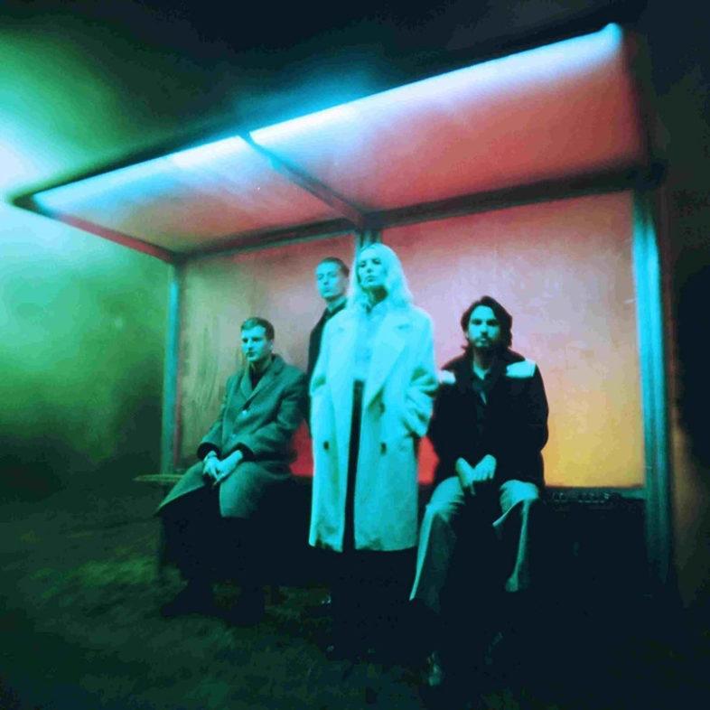 """UK ALBUM: N.ro 1 <br>WOLF ALICE – """"Blue Weekend"""""""